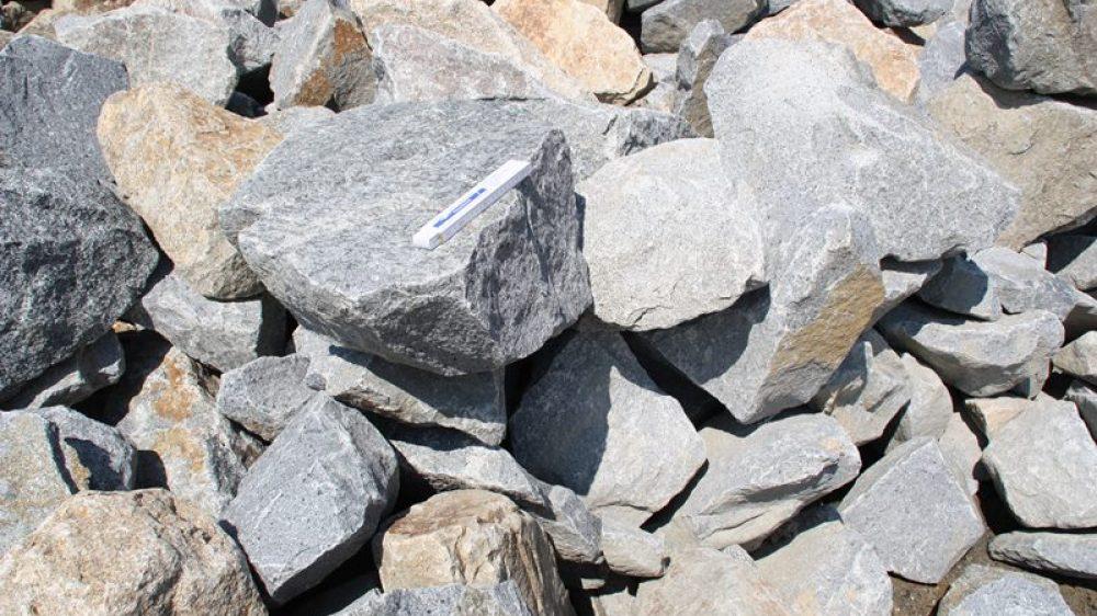 1604_Mauersteine Granit 40-200 kg grau_7364