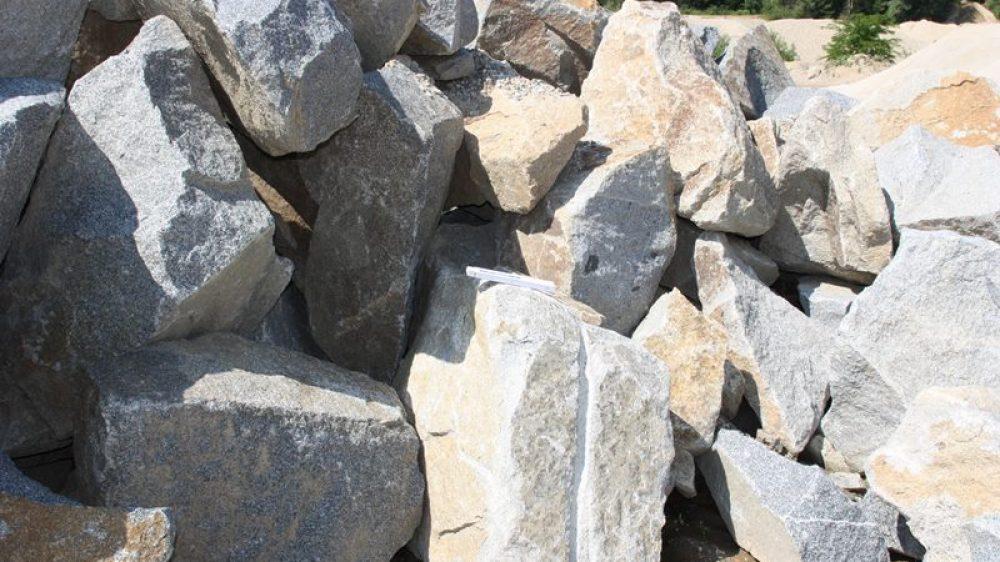 1605_Mauersteine Granit 60-300 kg grau_7368
